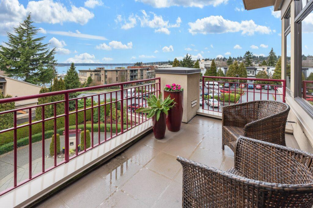 desain balkon minimalis modern 1